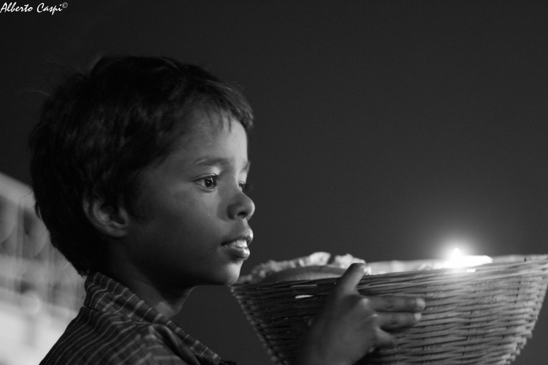 Little candle seller - Varanasi - India